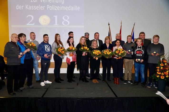 Die Medaillenträger mit Ministerin Kühne-Hörmann, OB Geselle, PP Stelzenbach und Geschäftsführer Wolfgang Jungnitsch