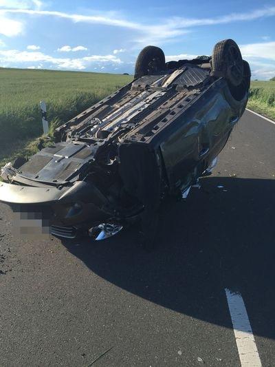 POL-PDKH: Verkehrsunfall mit drei verletzten Personen
