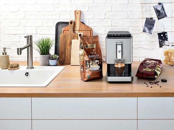perfekt abgestimmt f r tchibo kaffees tchibo bietet vollautomaten f r 199 euro presseportal. Black Bedroom Furniture Sets. Home Design Ideas