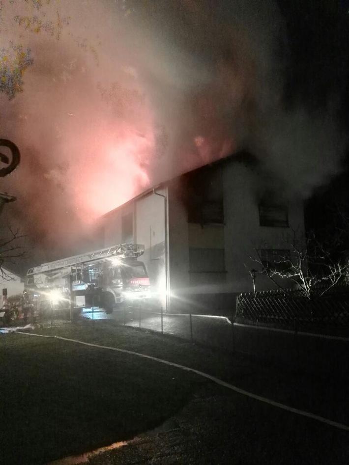 POL-PPWP: Eine Tote bei Wohnhausbrand