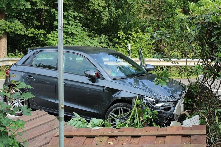POL-OE: Vorfahrt missachtet - Unfall mit verletzten Personen