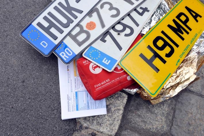 Jedes Jahr ereignen sich auf Urlaubsfahrten tausende von Unfällen: Ein Europäischer Unfallbericht gehört besonders bei ...