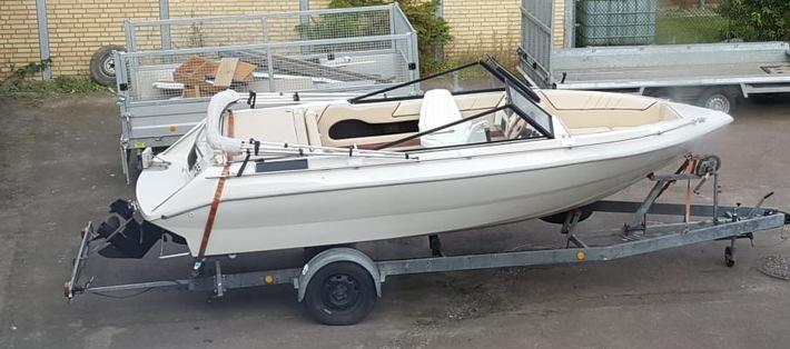 """Foto des gestohlenen Sportbootes """"Insolvenz"""" Quellenangabe: Polizeidirektion Flensburg"""
