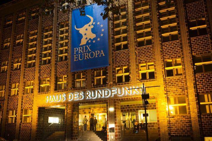 30 Jahre PRIX EUROPA / Medienfestival startet mit Appell von rbb-Intendantin - Rekordbesuch erwartet