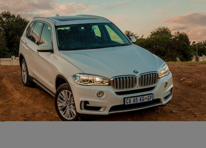 "The BMW X5: Sales up 40.9% in January 2015. Editorial use of this picture is free of charge. Please quote the source: ""obs/BMW Group"""