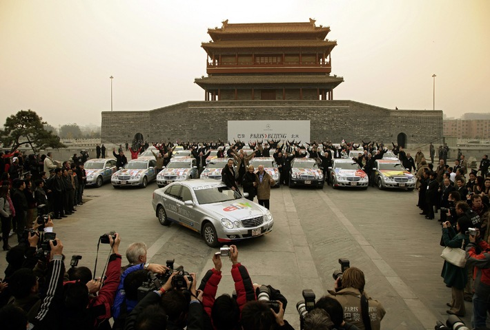 Mercedes-Benz - The fascinating long distance drive from Paris to Beijing ends successfully