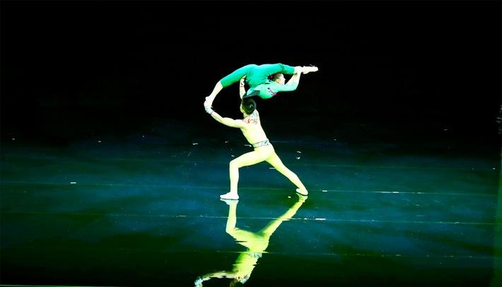 """Eine Szene der Akrobatik-Show. Weiterer Text über ots und www.presseportal.de/nr/132611 / Die Verwendung dieses Bildes ist für redaktionelle Zwecke honorarfrei. Veröffentlichung bitte unter Quellenangabe: """"obs/Hunan Province/HU XUDONG"""""""