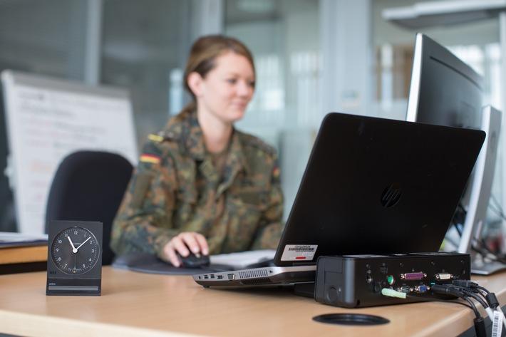 Bundeswehr stellt IT-Kapazitäten zukunftssicher auf / IT-Servicepaket für über 192.000 Nutzer