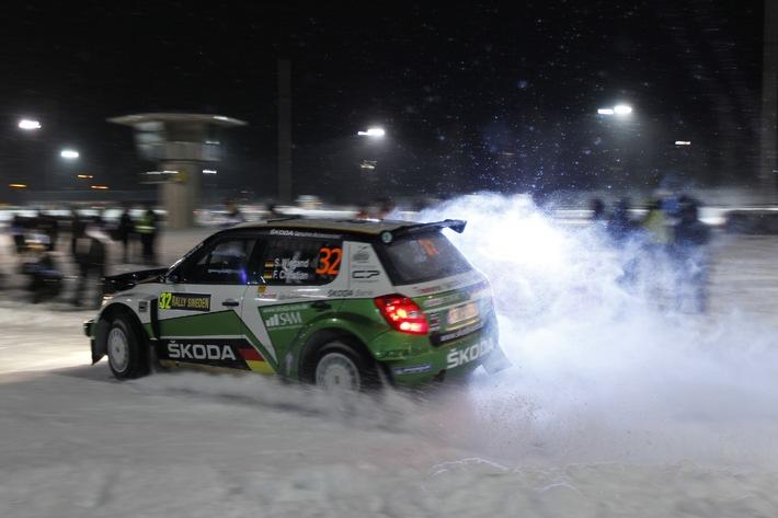 """Sepp Wiegand/Frank Christian als """"Straßenkehrer"""" bei der Rallye Schweden Die Verwendung dieses Bildes ist für redaktionelle Zwecke honorarfrei. Veröffentlichung bitte unter Quellenangabe: """"obs/Skoda Auto Deutschland GmbH"""""""