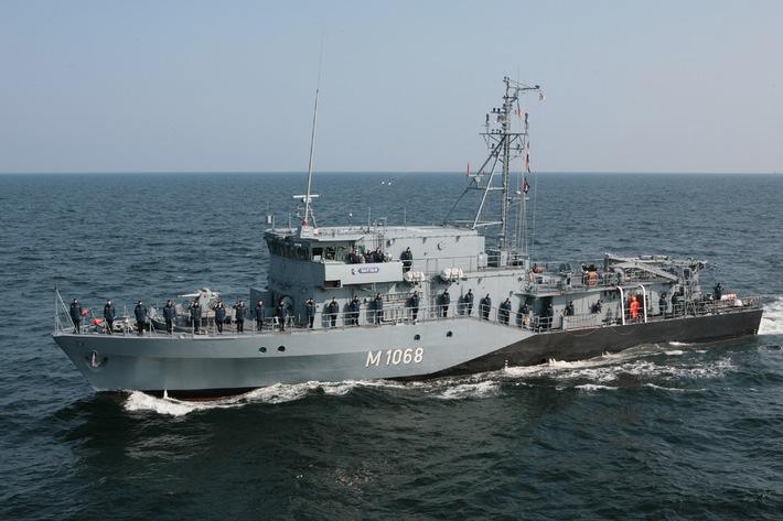 """Achivbild: Das Minenjagdboot """"Datteln"""". Das 5. Minensuchgeschwader verfügt über insgesamt neun Minensuch- und Minenjagdboote sowie einen Tender. Foto: Deutsche Marine"""