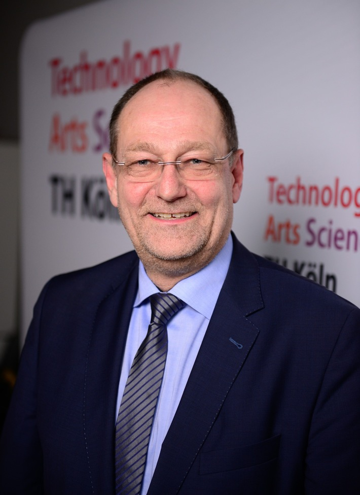 Prof. Dr. Stefan Herzig (Foto: Costa Belibasakis/TH Köln)