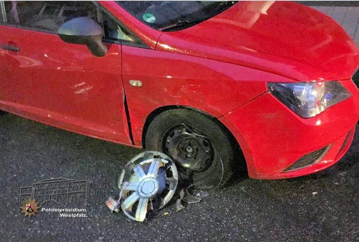 Der Seat Ibiza war der erste Wagen, mit dem die Unfallverursacherin zusammenstieß - er wurde am stärksten beschädigt.