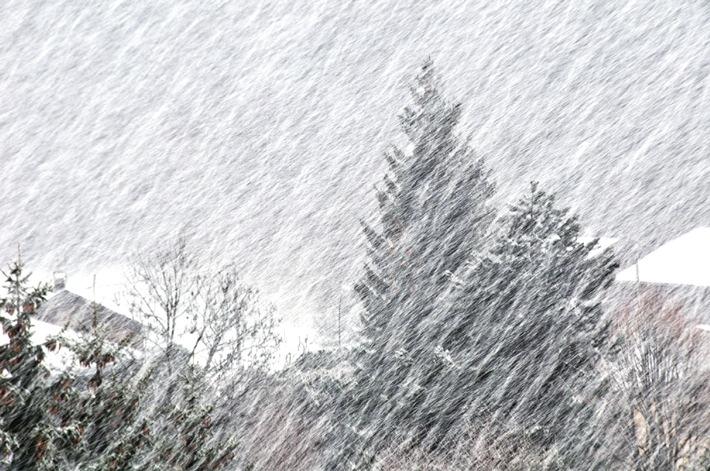 """""""Wetter-Alarm"""" wird offizieller Unwetterwarndienst der Schweiz / Verbreitungspflichtige Warnungen des Bundes erweitern das Angebot (Bild)"""