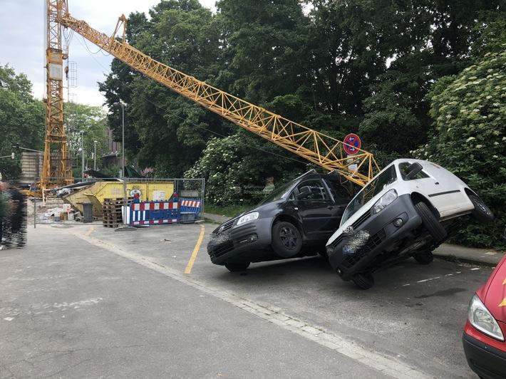 Ludwigshafen am Rhein: Baukran umgefallen