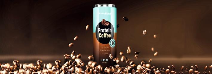 """Der erfrischende Mix aus Arabica-Kaffeebohnen und hochwertigem Milchprotein machen den Body Attack Protein Coffee zum Lieblingsgetränk des Sommers. Weiterer Text über ots und www.presseportal.de/nr/120876 / Die Verwendung dieses Bildes ist für redaktionelle Zwecke honorarfrei. Veröffentlichung bitte unter Quellenangabe: """"obs/Body Attack Sports Nutrition"""""""