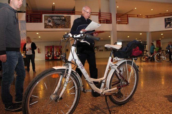 Hammer TÜF überprüft mehr als 700 Fahrräder