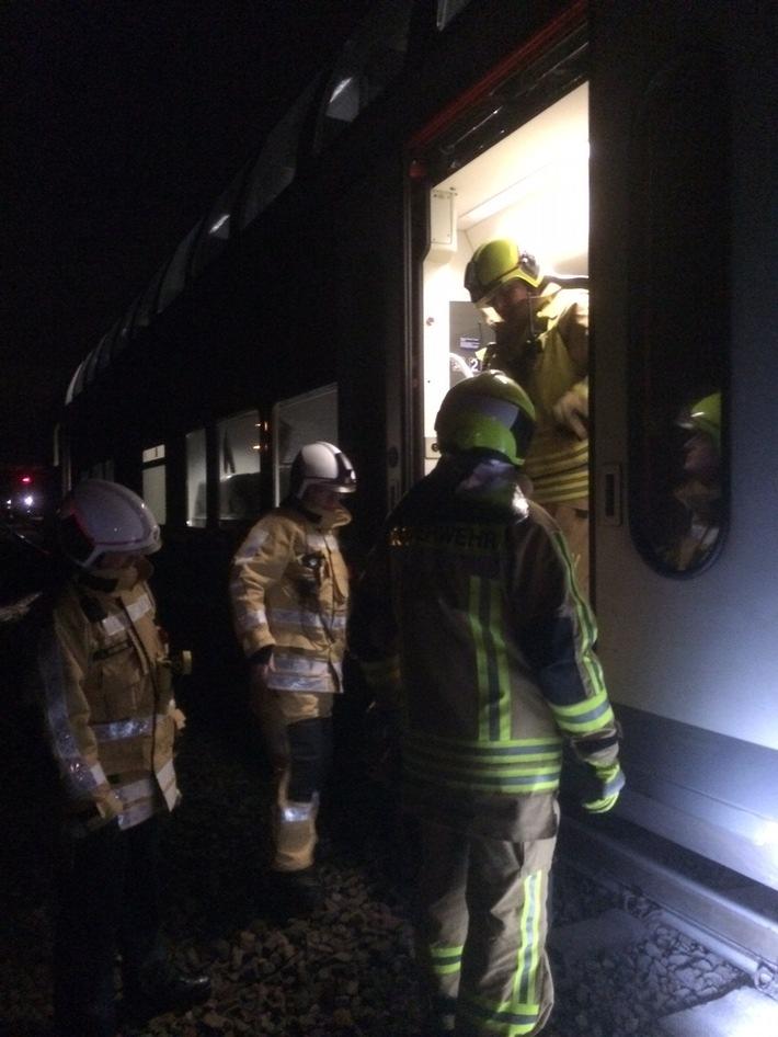 FW-Stolberg: Brandeinsatz an einem Personenzug im Stolberger Hauptbahnhof