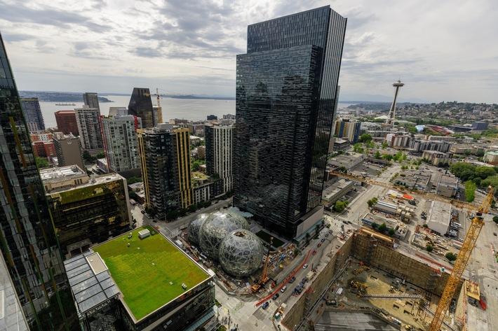 Amazon nutzt HRS-Services für die globale Verhandlung von Hotelraten und weiterreichende Services ab 2019. Das Foto zeigt die Zentrale in Seattle.  (Foto: Jordan Stead / Amazon; https://press.aboutamazon.com)