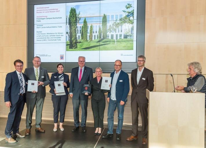 """Verleihung des Architekturpreises für """"Vorbildiche Bauten im Land Hessen"""" in Wiesbaden  (Foto:AKH/Christoph Rau)"""
