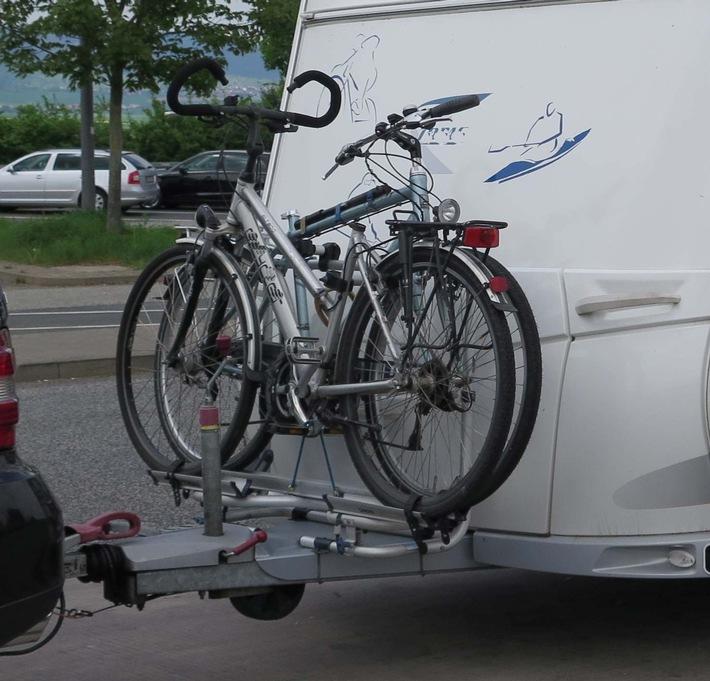 POL-FB: Wie das Zweirad auf das Vierrad passt - Tipps zum Fahrradtransport - nicht nur auf dem Weg in den Urlaub - Aktion safe holiday