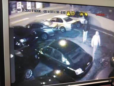 POL-DN: Autodiebe mit Videobild gesucht