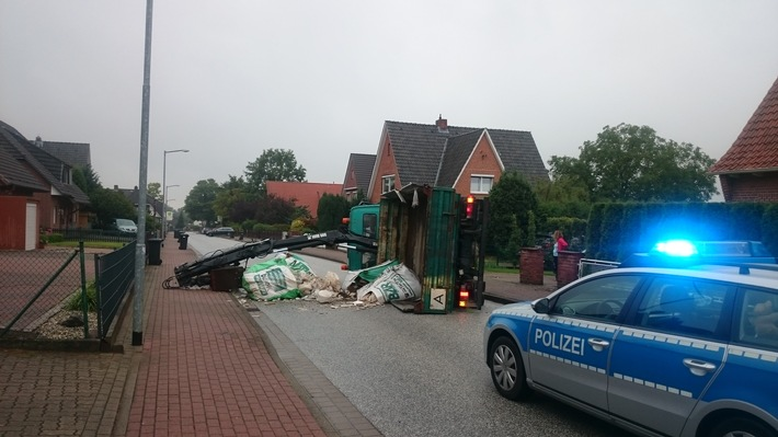 POL-WL: Neu Wulmstorf - LKW kippt auf die Seite ++ Seevetal - Wer war der Fahrer? ++ Seevetal - Gesuchte Zeugin gefunden