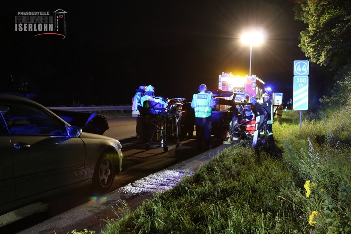 FW-MK: Verkehrsunfall auf der Autobahn 46, drei verletzte Personen.