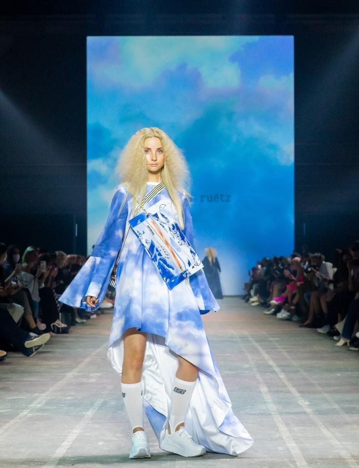 Skechers_RebekkaRuetz_FashionShow.jpg