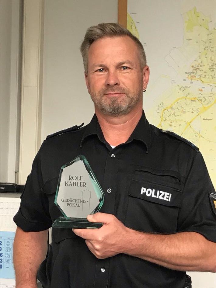 POL-KI: 170714.2 Kiel: Kieler Polizeibeamter ausgezeichnet