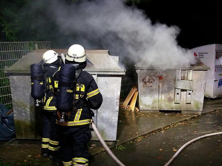 Zwei Container brannten in der Rehbergstraße