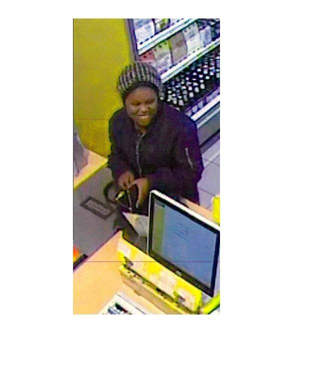 Wer kennt diese Frau? Hinweise an das KK24 unter 0228/15-0.