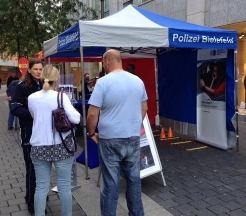 Info-Stand der Polizei Bielefeld