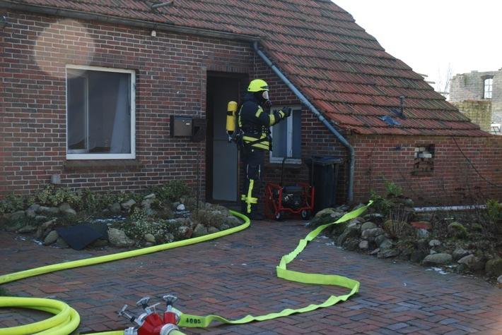 POL-AUR: Westerholt - Brand in Einfamilienhaus