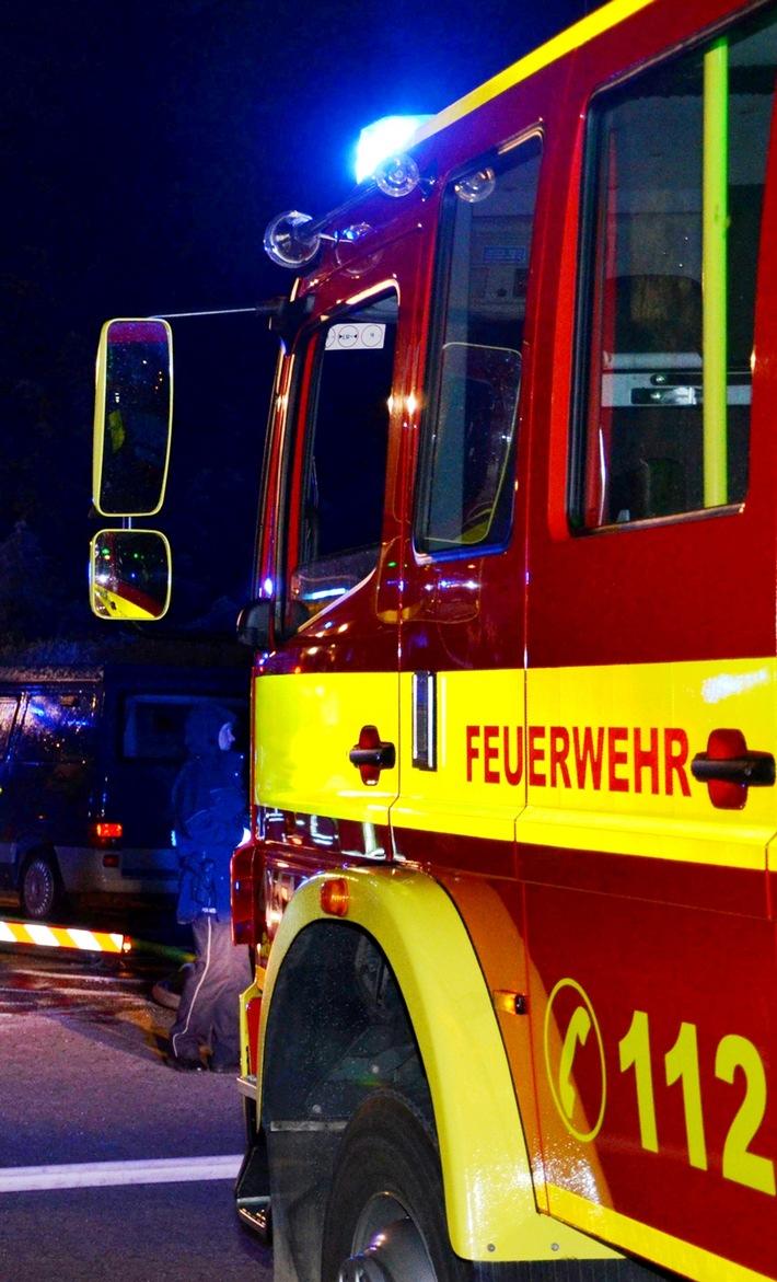 Symbolbild: Nächtlicher Feuerwehreinsatz