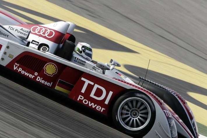 """Zum dritten Mal in Folge hat das Team Audi Sport mit dem Shell V-Power Diesel Rennkraftstoff das 24-Stunden-Rennen von Le Mans für sich entschieden. Dieser Erfolg demonstriert abermals die Leistung und Kraft der Shell V-Power Dieseltechnologie.Weiterer Text über ots und www.presseportal.de -Die Verwendung dieses Bildes ist für redaktionelle Zwecke honorarfrei. Abdruck bitte unter Quellenangabe: """"obs/Shell Deutschland Oil GmbH"""""""