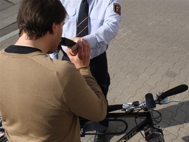POL-PDLU: (Frankenthal) - Verkehrsunfall mit leicht verletztem Radfahrer unter Alkoholeinfluss