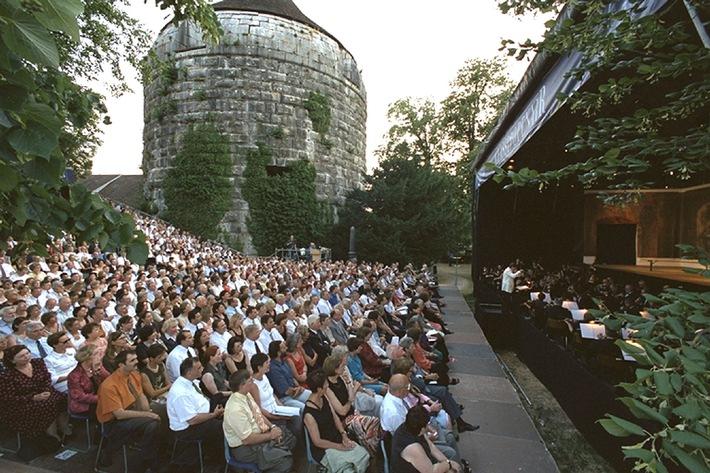 Classic Openair Solothurn startet vom 4. bis 15. Juli 2006 mit Mozart, Verdi, Rossini und Puccini in die 16. Spielzeit