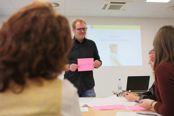 Jörg Lichtenberg bei einer Schulung zum Kindesschutz