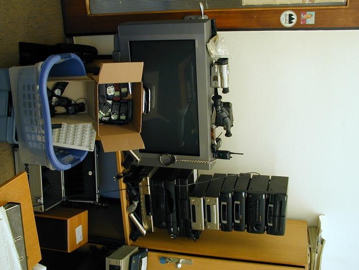 POL-F: 001023 Pressemitteilung, Bildversand