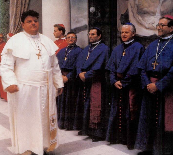 Spielfilm statt Konklave: TELE 5 ist schon Papst (BILD)