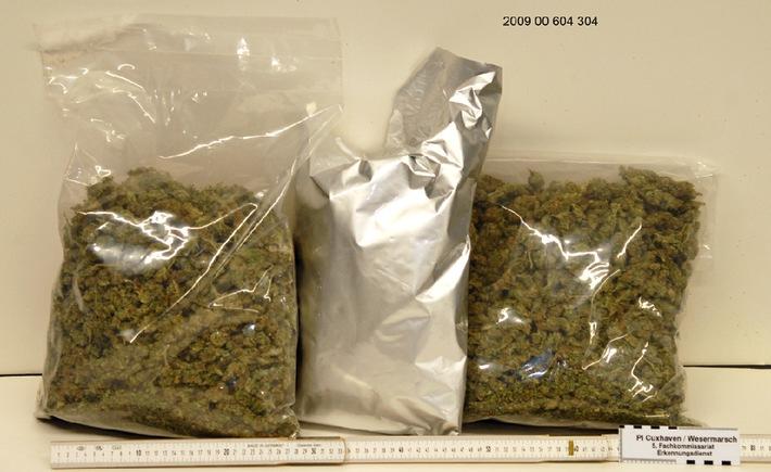 POL-CUX: Vermeintlicher Drogenkurier in Haft - Polizei beschlagnahmt 2,5 Kilo Marihuana (siehe Bildanlage in digitaler Pressemappe als Download)