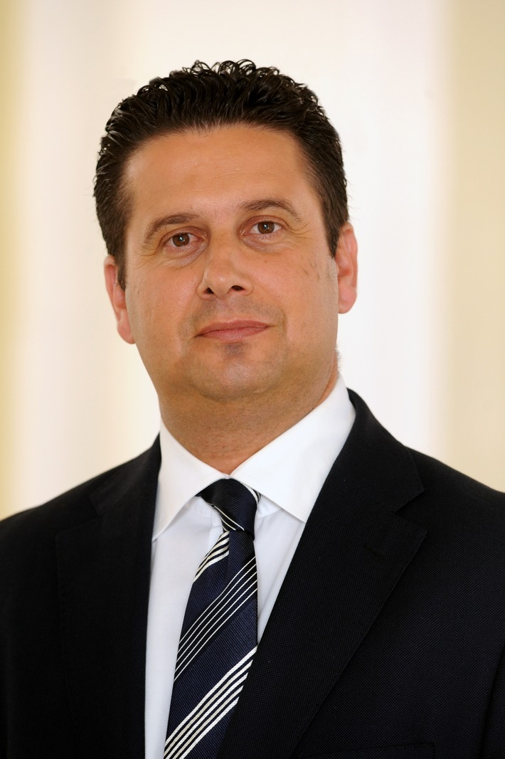 """Edward Zammit Lewis, Tourismusminister von Malta / Weiterer Text über ots und www.presseportal.de/nr/44027 / Die Verwendung dieses Bildes ist für redaktionelle Zwecke honorarfrei. Veröffentlichung bitte unter Quellenangabe: """"obs/TUI AG/TUI Group"""""""