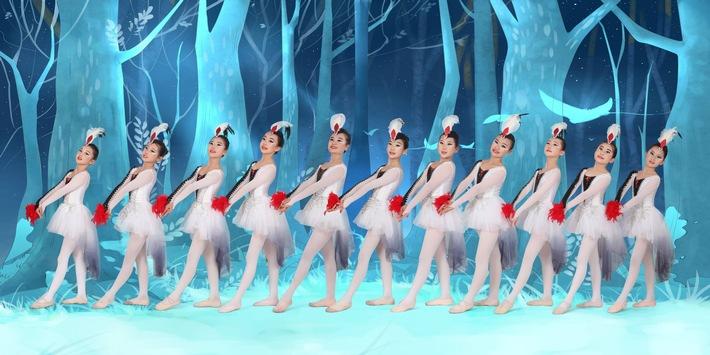 """Die Chinesische Künstlergruppe (Rizhao Xinying Art Group) aus Rizhao (Provinz Shandong), ist eine von 19 Landesgruppen, die beim Welt-Kindertheater-Fest in Lingen mit ihrem Stück  """"Love is power"""" auftreten wird. Weiterer Text über ots und www.presseportal.de/nr/130946 / Die Verwendung dieses Bildes ist für redaktionelle Zwecke honorarfrei. Veröffentlichung bitte unter Quellenangabe: """"obs/Theaterpädagogisches Zentrum der Emsländischen Landschaft/TPZ"""""""