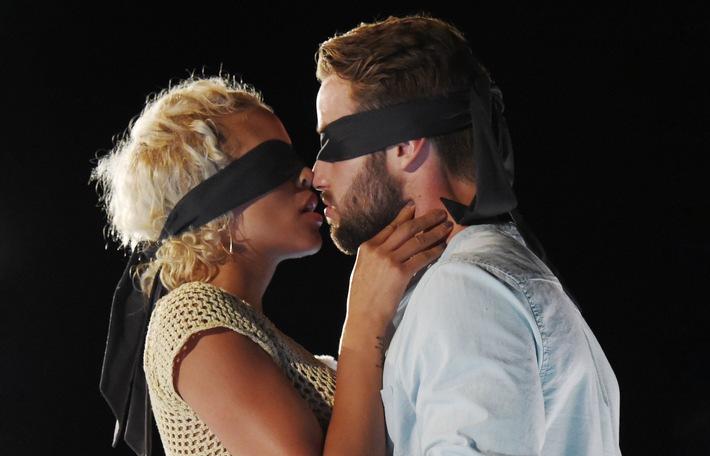 Kiss kiss bang bang dating site