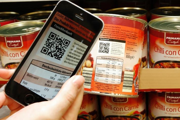 """Verbraucherinnen und Verbraucher können sich bei ALDI SÜD künftig über die Herkunft des Fleischs in verarbeiteten Produkten informieren. Mit einem QR-Code oder über herkunft.aldi-sued.de können sie erfahren, aus welchem Land die Tiere stammen, wo die Schlachtung stattfindet und wo das Fleisch verarbeitet wird.  Weiterer Text über OTS und www.presseportal.de/pm/108584 / Die Verwendung dieses Bildes ist für redaktionelle Zwecke honorarfrei. Veröffentlichung bitte unter Quellenangabe: """"obs/Unternehmensgruppe ALDI SÜD/ALDI SÜD"""""""