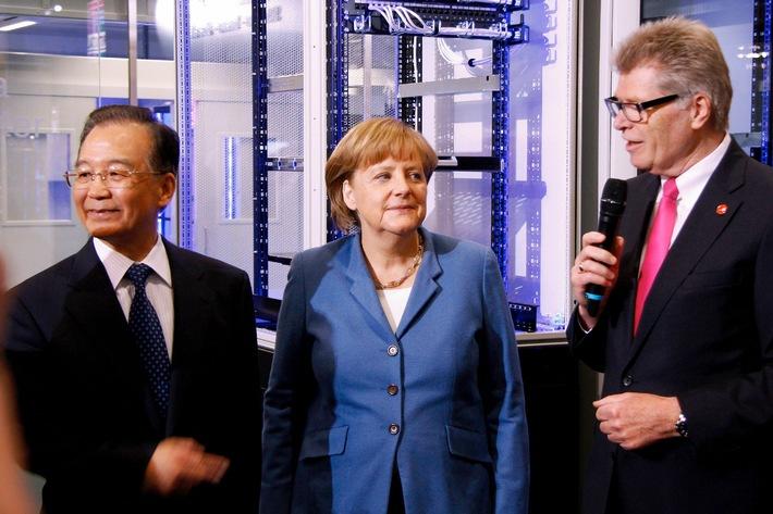 Angela Merkel und Wen Jiabao besuchen Rittal auf der Hannover Messe 2012