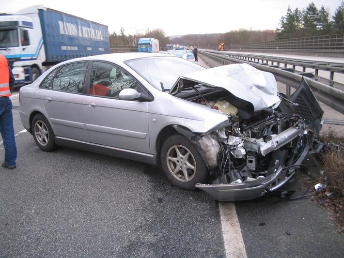 POL-HI: Unfall auf der BAB 7 mit einer verletzten Person
