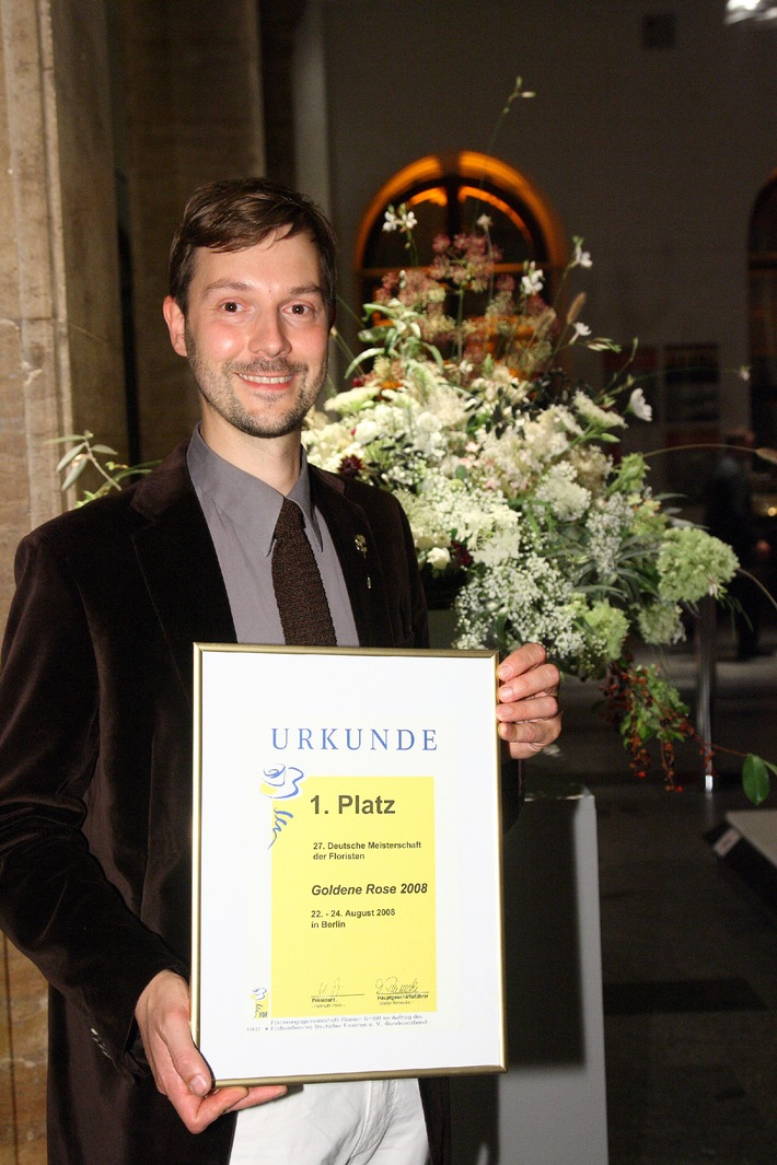 "Die ""Goldene Rose"" goes to ..."