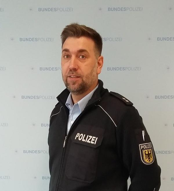 Einstellungsberater der Bundespolizei in Mitteldeutschland Polizeioberkommissar Kevin Braese.