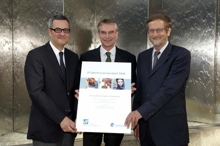 """TeamBank ruft Stiftung """"Deutschland im Plus"""" ins Leben"""